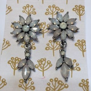 Flower chandelier earrings NEW pale pink & white